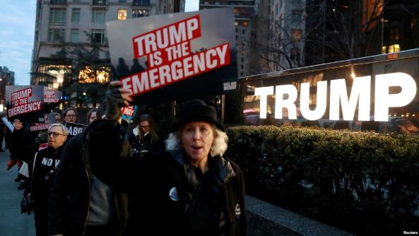 Trump's Plan to Siphon Money from Military for Wall Meets Resistance