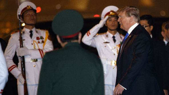 Trump Arrives in Hanoi for Second Summit With Kim
