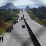 Caravana de migrantes en México avanza hacia Estados Unidos
