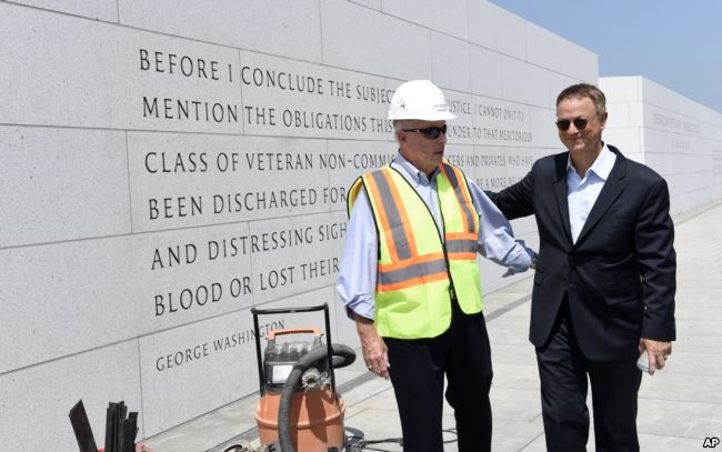 From Stage to Service, Actor Gary Sinise a 'Grateful American'