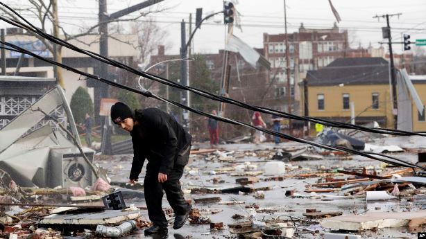 Trump inspeccionará el viernes devastación de tornados en Tennessee