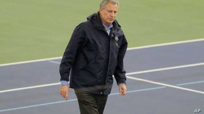 New York's Mayor Appeals to Washington for Medical Personnel