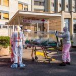 Italia informa de primera disminución de pacientes en cuidados intensivos