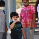 Aumentan contagios en EE.UU. en medio de nuevas restricciones mundiales