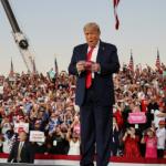 """Trump amenaza con la """"pesadilla socialista"""" en su vuelta a la campaña"""